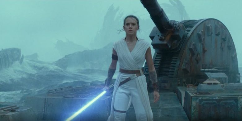 The Rise of Skywalker, a woman with a lightsaber