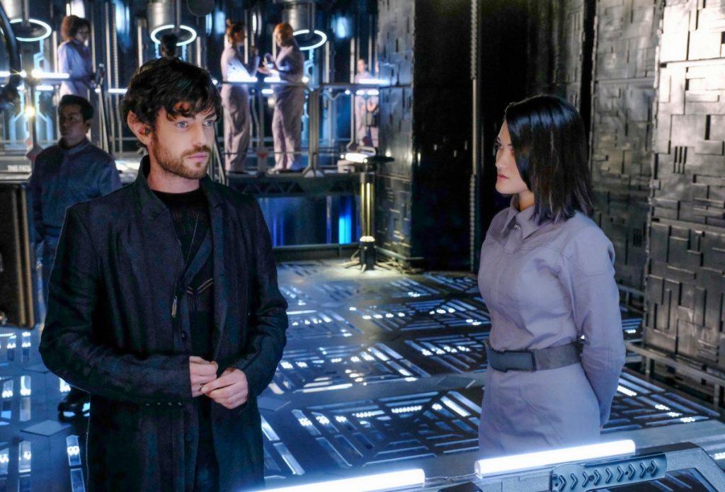 Star Trek, man and woman talk