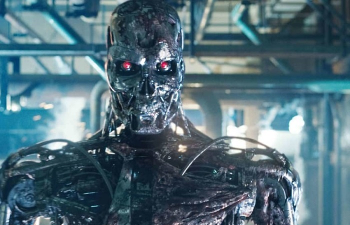 A terrifying robot with artificial intelligence